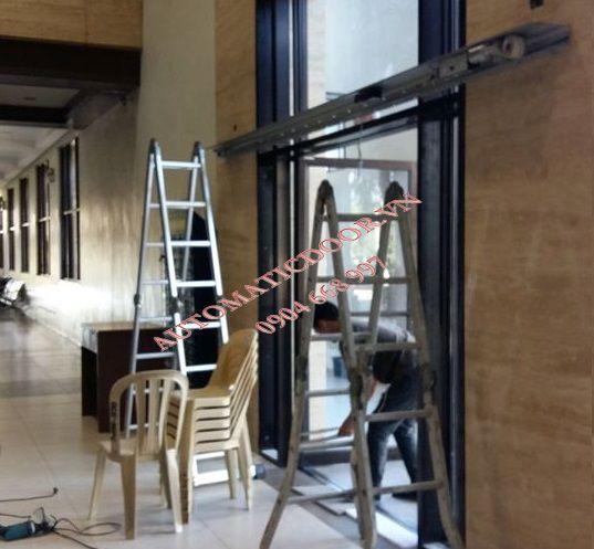 Sửa cửa tự động trung tâm thương mại