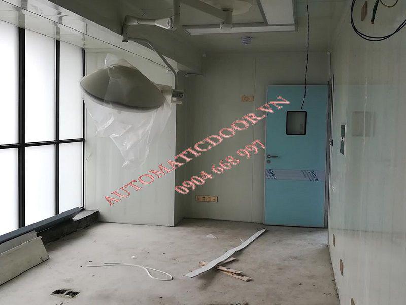 Lắp đặt cửa tự động phòng khám chuyên nghiệp