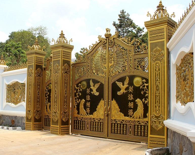 Mẫu cổng nhôm đúc đẹp tuyệt vời
