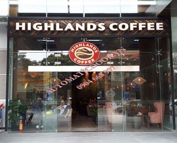 Thiết kế cửa tự động quán Cafe chuyên nghiệp
