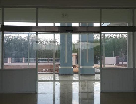 Cửa kính tự động, mô tơ cổng tự động Quận 1