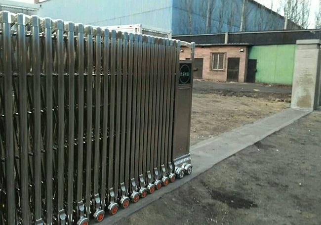 Lắp đặt cửa cổng xếp nhà máy, xí nghiệp