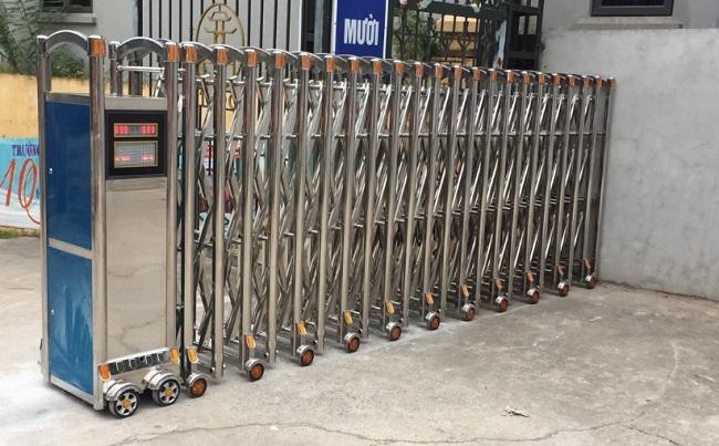 Báo giá mẫu cổng xếp inox tự động đẹp thông dụng