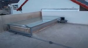 Mái kính lùa động cơ Ý 600 kg giá 15.6 triệu / bộ