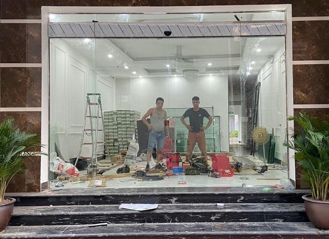 Cửa lùa tự động Trung Quốc giá rẻ bảo hành 24 tháng
