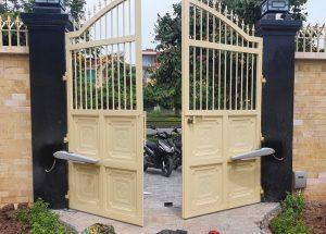 mô tơ cổng biệt thự sân vườn