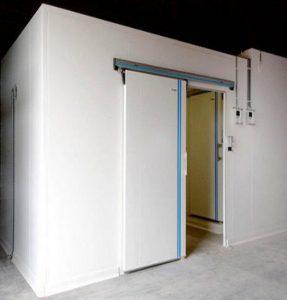 cửa kho lạnh đóng mở tự động