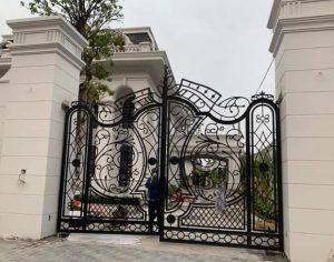 cổng sắt mỹ nghệ mô tơ âm sàn