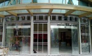 02 bộ cửa lùa cong tự động trung tâm thương mại