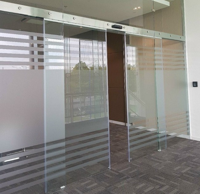 Kiểm soát ra vào cửa tự động tăng cường an ninh cho cơ sở của bạn