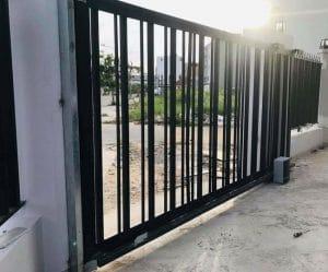 cổng lùa 1 cánh tự động bên phải