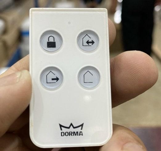 Chức năng chìa khóa điều khiển từ xa cửa tự động