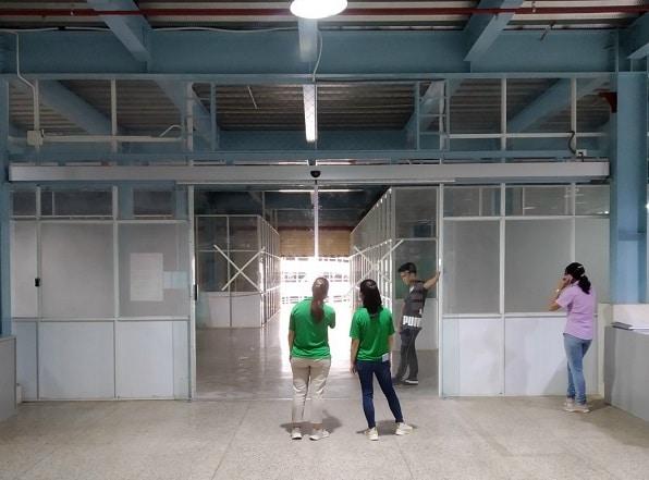 Các nhà sản xuất cửa kính tự động tùy chỉnh