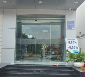 Cửa tự động ngân hàng quân đội