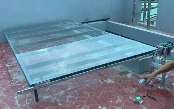 Mái kính lùa tự động trên sân thượng