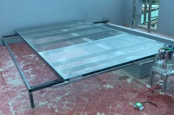 Mái kính trượt tự động sân thượng