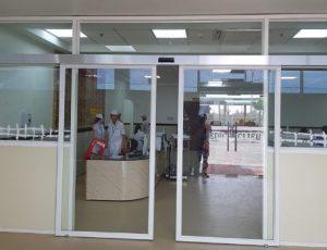cửa kính khung nhôm tự động bệnh viện