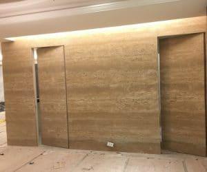 hai cửa mở phòng bí mật
